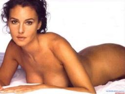 Angelina nude