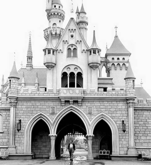 walt_disney_castle_old